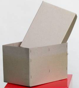 Geklammerte Schachtel